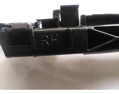 soporte guia de parachoque del derecha toyota tunner