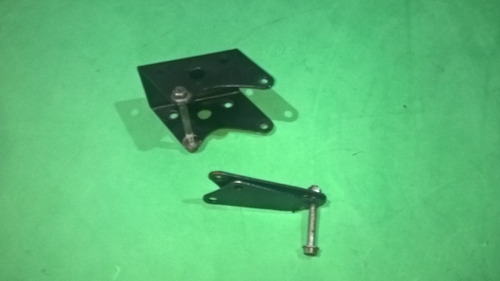 soporte motor pulsar 135