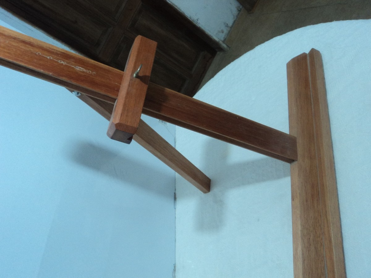 Soporte o caballete sobre mesa para pintor cuadros de for Caballetes de madera para mesas