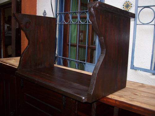soporte para microondas en madera maciza rustico.