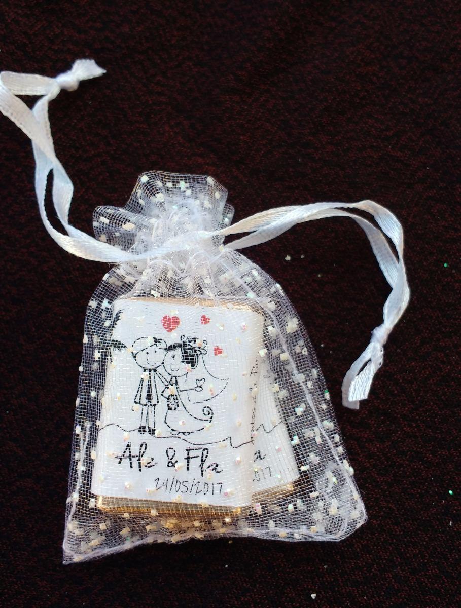 8b63246d5 souvenir 2 chocolate personalizado en bolsita de organza. Cargando zoom.