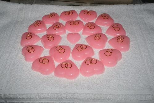 souvenir boda jabón perfumado con alianzas envuelto en tul