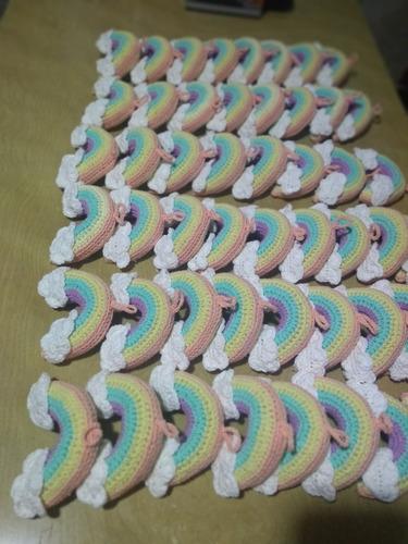 souvenires arcoiris tejidos