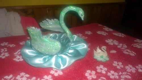 souvenirs adornos de tortas en porcelana fria