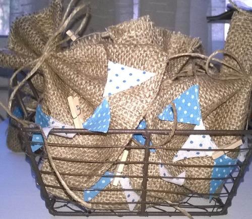 souvenirs arpillera bolsas flores porta cubiertos decoración