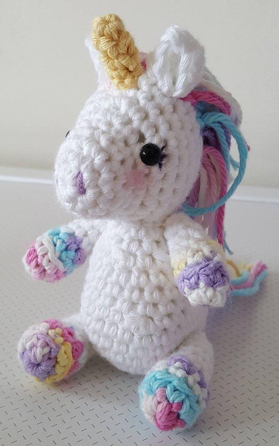 Jazzy the Unicorn Free Amigurumi Pattern | Jess Huff | 910x570