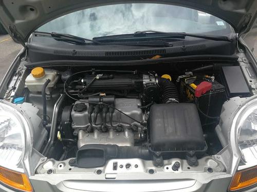 spark  4 puertas modelo 2011