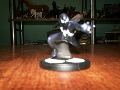 spiderman traje negro