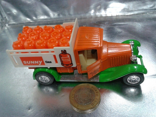 ss - delivery truck sunny gas escala 1/43