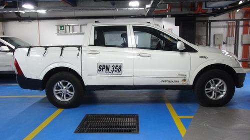 ssangyong action doble cabina 4x4  diesel - buen estado