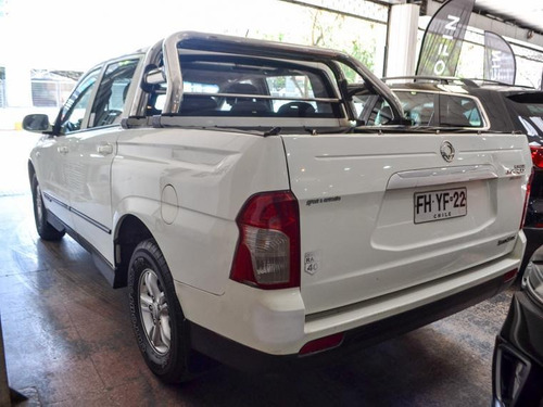 ssangyong actyon sport 6 mt 2013
