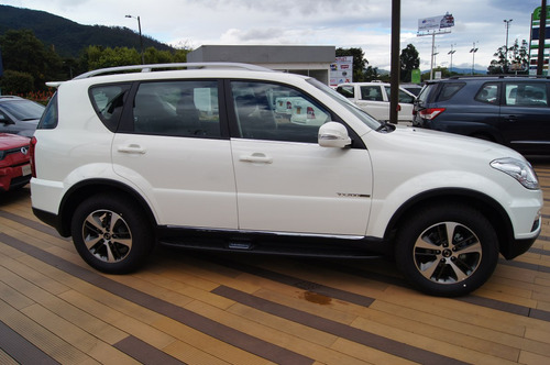 ssangyong rexton luxury