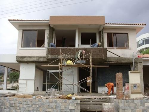 staff de profesionales que brinda servicios de construcción
