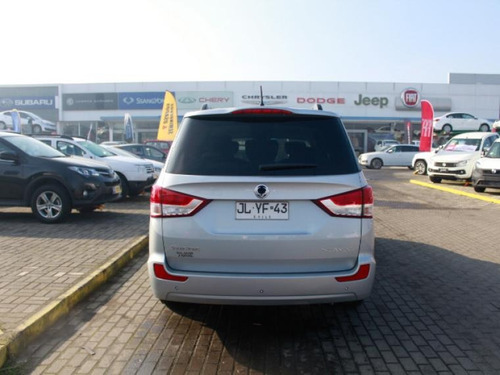 stavic aut ssangyong stavic