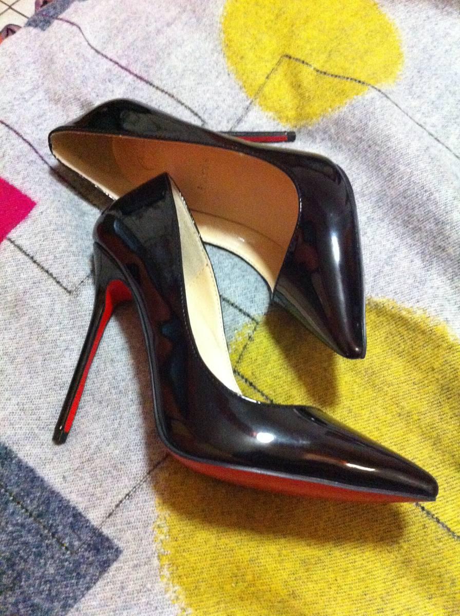 precio aproximado de zapatos louboutin