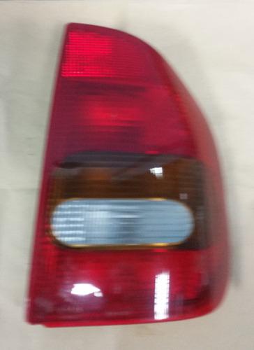 stop derecho corsa sedan 97-98 usado con detalle