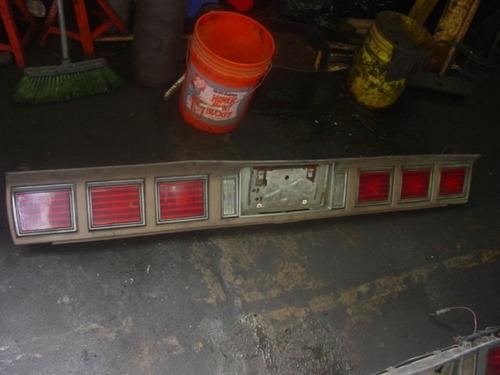 stop panel trasero de caprice años8l a 85