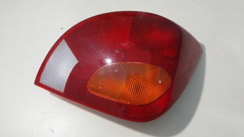 stop trasero derecho fiesta balita  (615)
