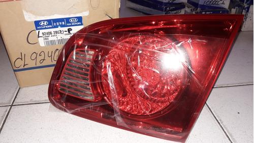 stop trasero derecho interno(compuerta) santa fe 2008 80$