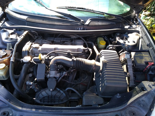 stratus 20014cil estándar 40 mil cambio por auto chico autom