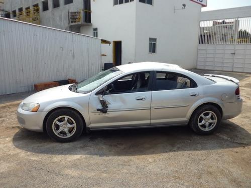 stratus 2004 chocado,motor 2.4 4 cilindros,automatico