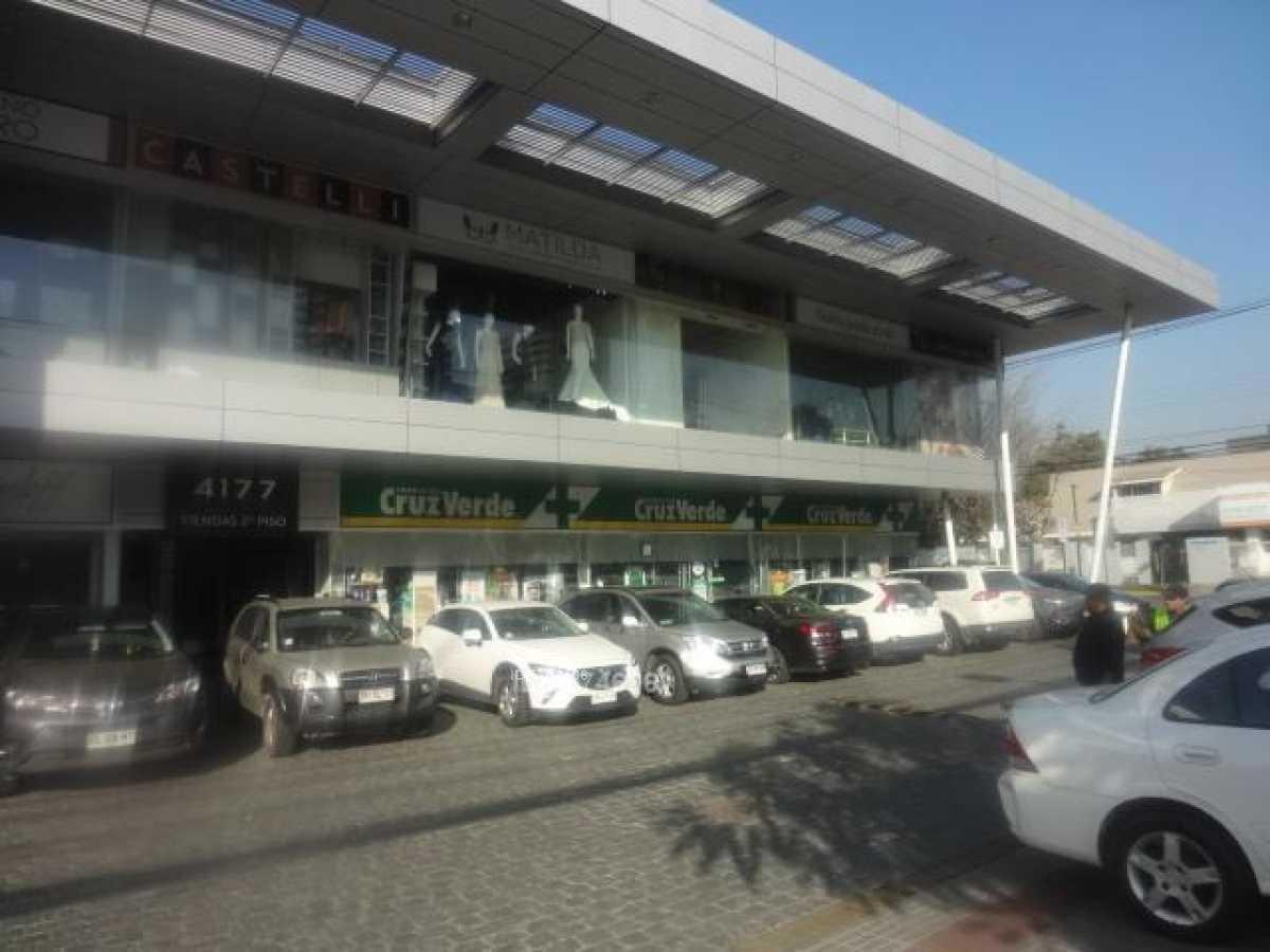 strip center nueva costanera