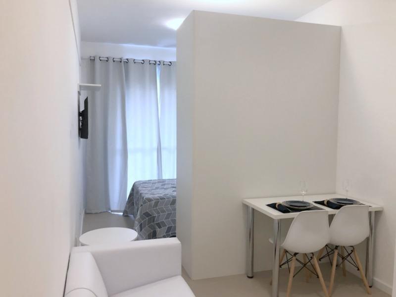 studio com 1 dormitório para alugar, 27 m² por r$ 1.745,00/mês - granja viana - cotia/sp - st0027