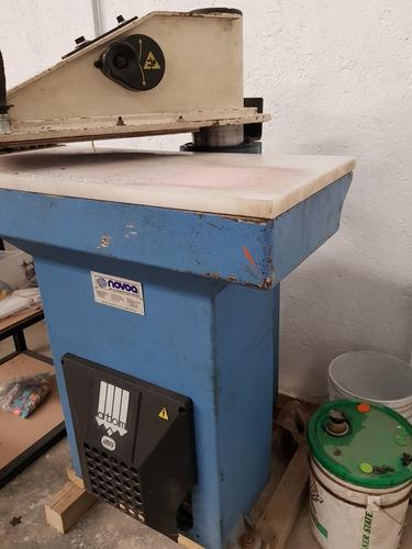 suajadora o troqueladora hidraulica de brazo atom 18t