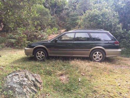subaru outback 2.5 awd at 2500cc 5p