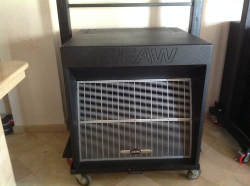 subbajos  (eaw)eastern acoustic works dcs2  clase comercial