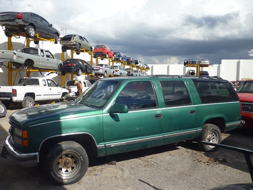 suburban 1998,accidentada,motor 350 tbi,automatica,nacional