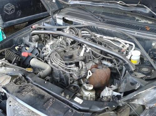 sucata baixada p/ retirada  peças pajero tr4 2.0 flex aut.