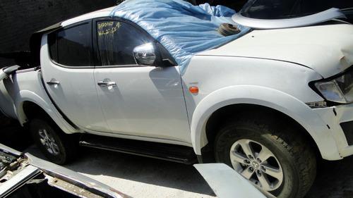 sucata batidos peças acessórios mitsubishi l200 triton 2011