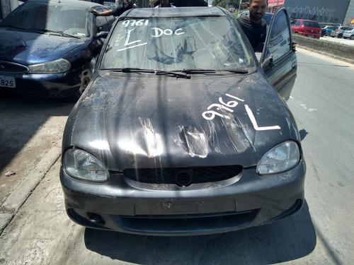 sucata corsa sedan para retirada de peças