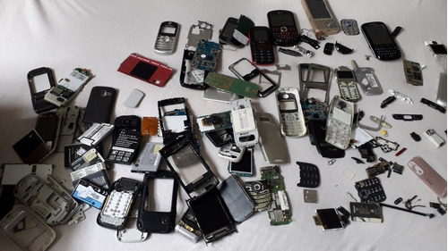 sucata de celulares antigos