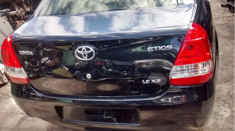 sucata de toyota etios 1.5 sedan 2013 motor/cambio só  peças
