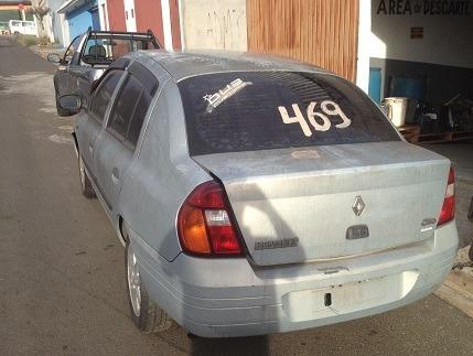 sucata desmontada - renault clio 1.0 16v sedan (2001)
