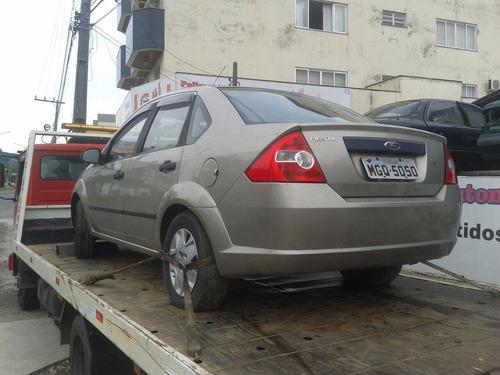 sucata  ford fiesta 2005 sedan. p/ retirada de peças.