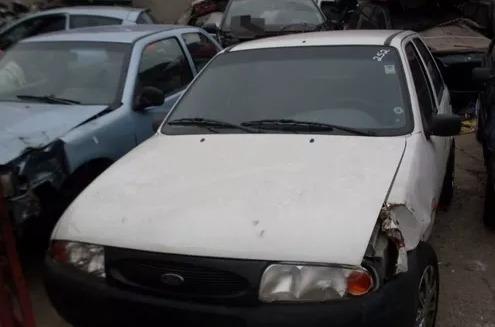 sucata ford fiesta (p/ retirada de peças).