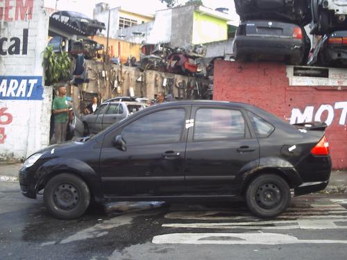 sucata ford fiesta sedan lateral traseira tampa parachoque