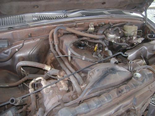sucata  hilux sr5 2.8 d.  2000 com motor e cambio e peça