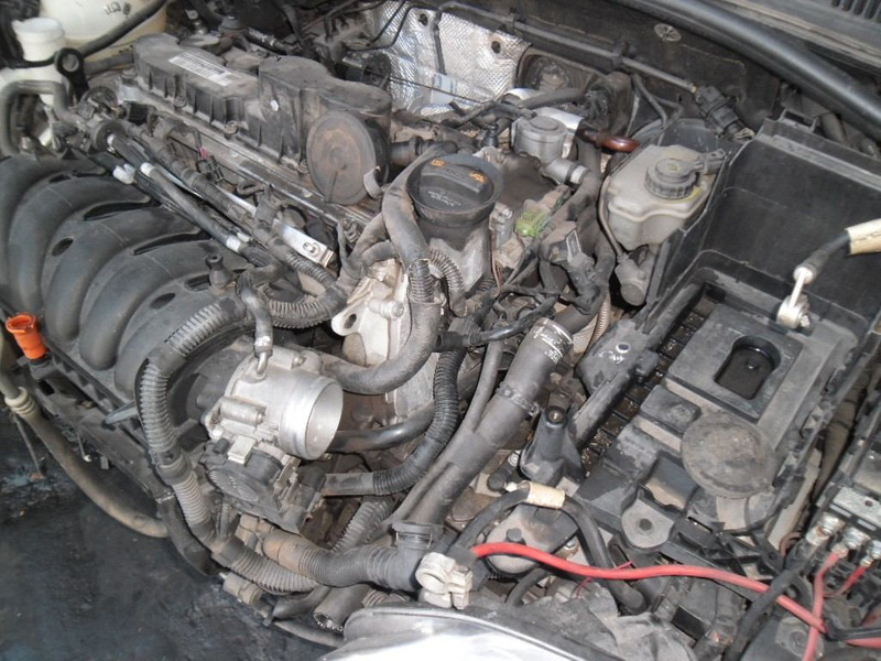sucata jetta 2.5 20v  2010 pra tirar peças motor cambio port