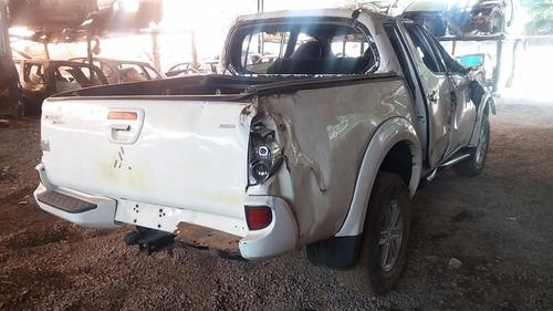 sucata l200 triton 3.2 a/t p/ retirada de peças porta airbag
