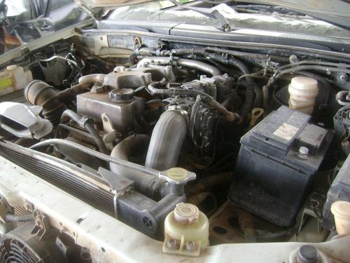sucata l200 triton 3.2 d 2015 com motor e cambio e peças