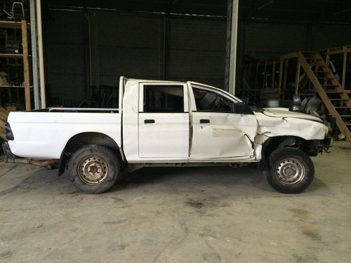 sucata mitsubishi l200 gl 2010 peças motor cambio lata rodas
