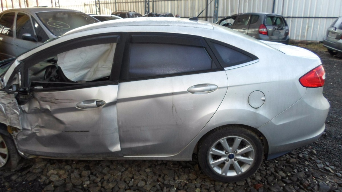 Sucata New Fiesta Sedan Importado Somente Pecas R