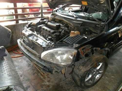 sucata novo corsa 1.8 gas. 04 pra tirar peças motor cambio