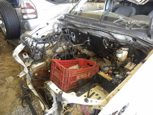 sucata toyota hilux 2014 3.0 diesel