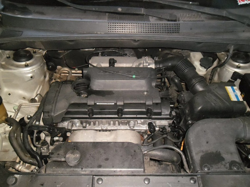 sucata tucson 2.0 16v gas. 11 pra tirar peças motor porta