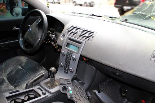sucata volvo c30 2.0 motor câmbio rodas bancos vidros